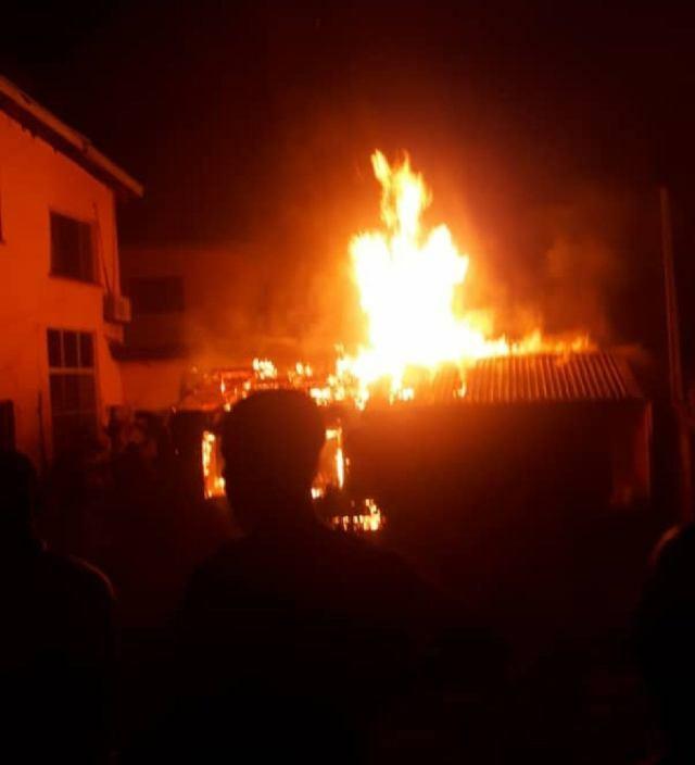 GIST: Sanwo-Olu Family House On Fire (Video)
